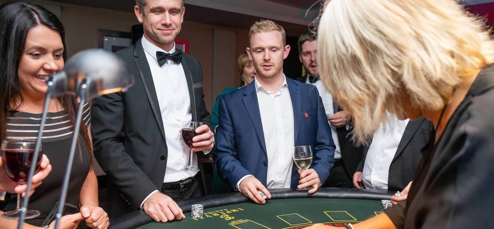 london team building activities casino evening